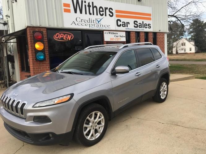 2014 Silver /Black Jeep Cherokee Latitude FWD (1C4PJLCB0EW) with an 2.4L L4 DOHC 16V engine, 9-Speed Automatic transmission, located at 204 Hwy. 16 East, Carthage, MS, 39051, (601) 267-7277, 32.734486, -89.531761 - Photo #0